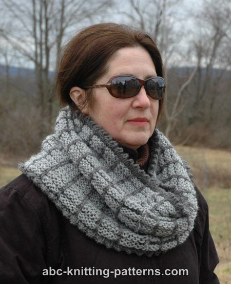 Knitted Snood Pattern Free : ABC Knitting Patterns - Two-Tone Snood